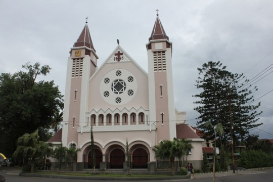 Gereja Katedral Malang
