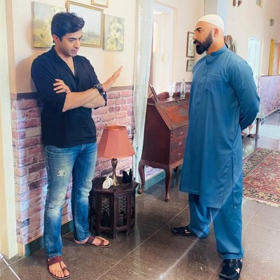 Drama 'Pehli Si Mohabbat' Features Maya Ali and Sheheryar Munawar. Both stars returning to TV screens after long time.