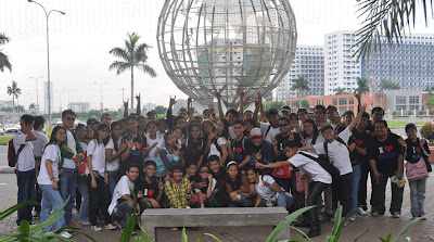 MCCID Main Campus pose in front of SM MOA Globe.