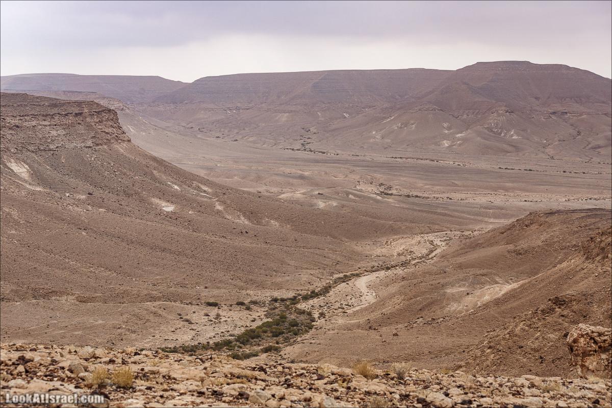 Гора Карком и Неопалимая купина | Mount Karkom & Burning Bush | הר כרכום והסנה הבוער | LookAtIsrael.com - Фото путешествия по Израилю