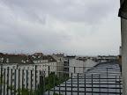 Das aktuelle Wetter in Wien-Favoriten am 26.05.2015  Trüb und kühl ist es am heutigen Dienstag mit nur 14,3°C. Der ein oder andere Schauer zieht über die Stadt, so sind bisher 0.6 l/m² Regen gefallen. Unangenehm ist auch der Wind mit Böen an die 30km/h. #wetter  #wien  #favoriten #wetterwerte