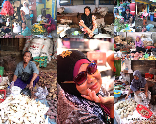Ibu-ibu pedagang di Pasar Tradisional Bima