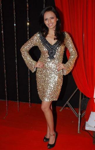 Roshni Chopra Height