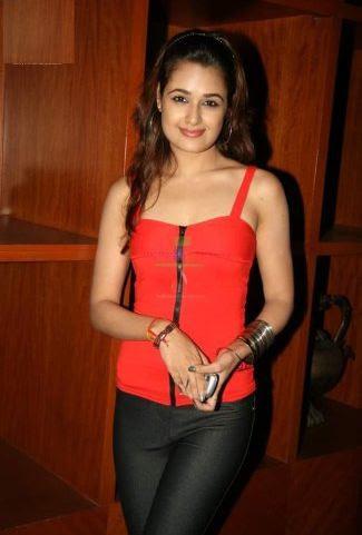 Yuvika Chaudhary Body Size