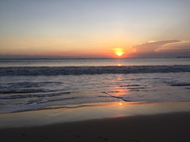 バリ島ジンバランビーチのサンセット