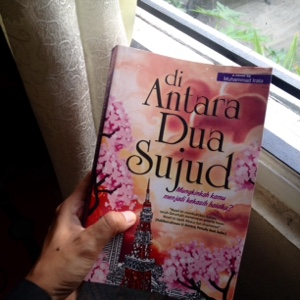 di antara dua sujud, review, resensi novel diantara dua sujud, novel islami, muhammad irata