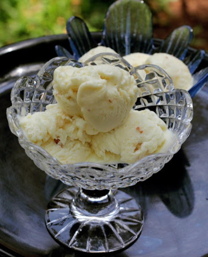 Eggless Butterscotch Ice Cream Recipe - No Machine required - Learn how to make butterscotch ice cream at home - Recipe by Kavitha Ramaswamy of Foodomania.com