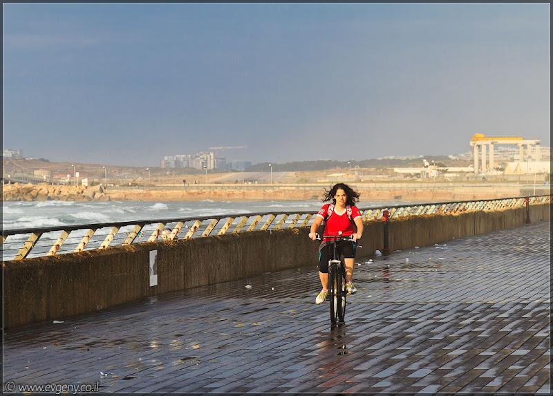 Такие разные люди / Ехали на велосипеде
