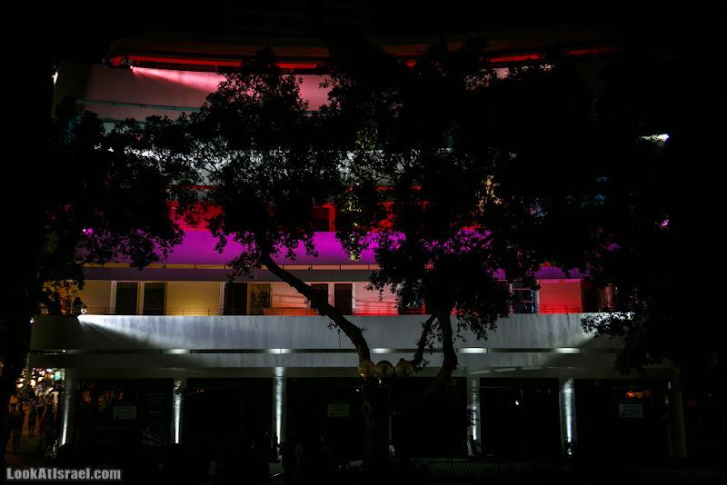 Дома изнутри / Guerrilla Lightening TLV - Площадь Дизенгофф