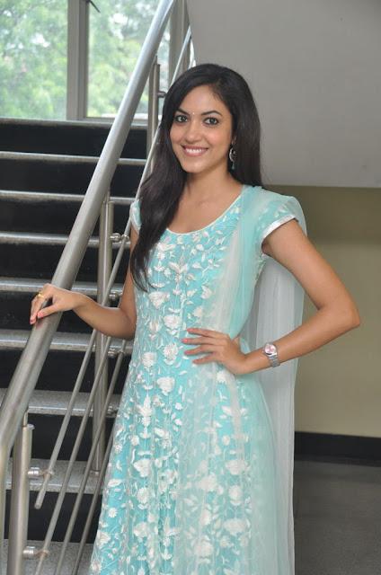 Actress Ritu Varma At Pochampally IKAT Mela 2013 Launch Event Photos ❤