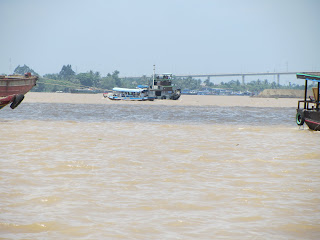 0025A_Day_on_the_Mekong