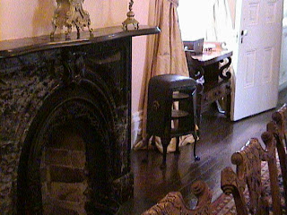 0440Inside_a_Southern_Mansion_-_New_Orleans