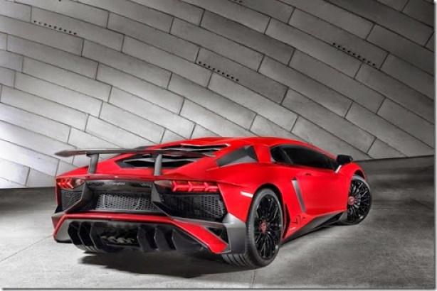Lamborghini-Aventador-SV-Carscoops9[2]