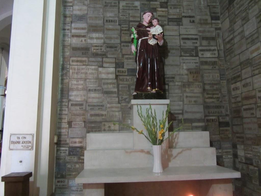 0007Notre_Dame_Cathedral_-_Saigon