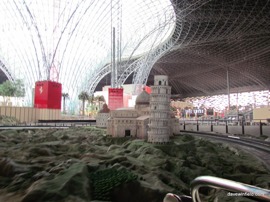 0600Ferrari World