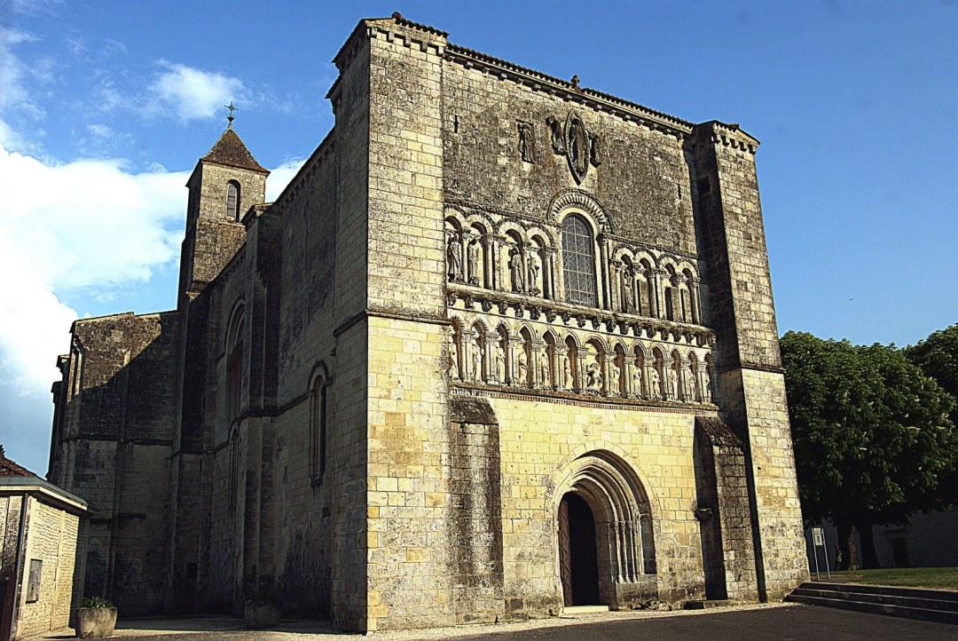 église Pérignac GR360