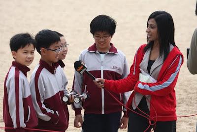 接受 now寬頻電視新聞部 印度裔女記者 利君雅 訪問