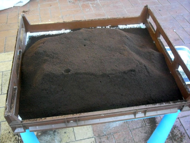 How to Dry and Store Used Coffee Grounds (4/6)