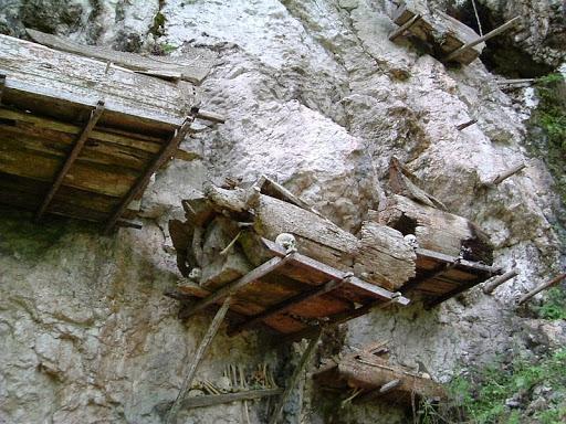 tana-Toraja-sepolture-11