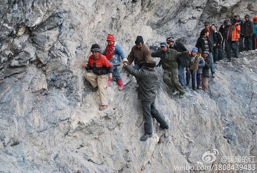 risking-lives-for-school-2