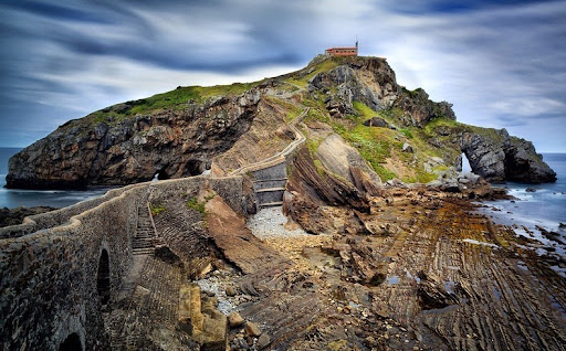 The shores of San Juan de Gaztelugatxe:  Season 7 filming locations