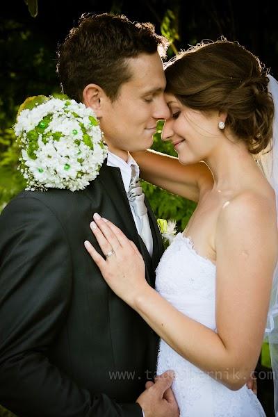 porocni-fotograf-wedding-photographer-ljubljana-poroka-fotografiranje-poroke-bled-slovenia- hochzeitsreportage-hochzeitsfotograf-hochzeitsfotos-hochzeit  (178).jpg