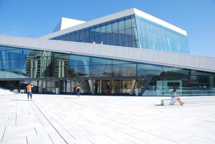 edificio-opera-High-Tech