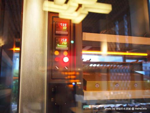 【食記】台中Beluga Restaurant & Bar 法式餐酒館@西屯捷運BRT秋紅谷 : 炫彩奪目,低調中帶點奢華!米其林等級的南法美味 區域 台中市 夜景 婚宴 宵夜 捷運美食MRT&BRT 排餐 旅行 晚餐 景點 法式 海鮮 燉飯 甜點 西屯區 西式 酒類 飲食/食記/吃吃喝喝