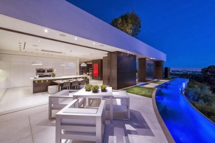 muebles-de-terraza-casa-de-lujo-en-Beverly-Hills-California