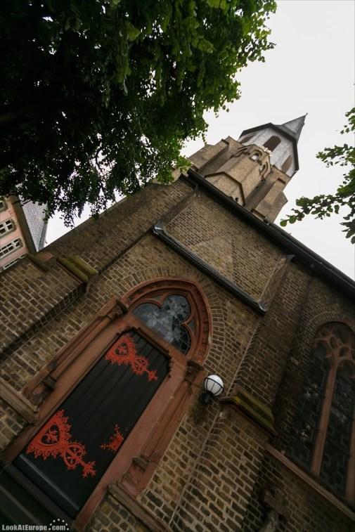LookAtEurope.com | Европейские фото путешествия. Германия, Дормаген. Крепость-таможня Цонс, неоготическая церковь Святого Мартина | Germany, Dormagen Zons