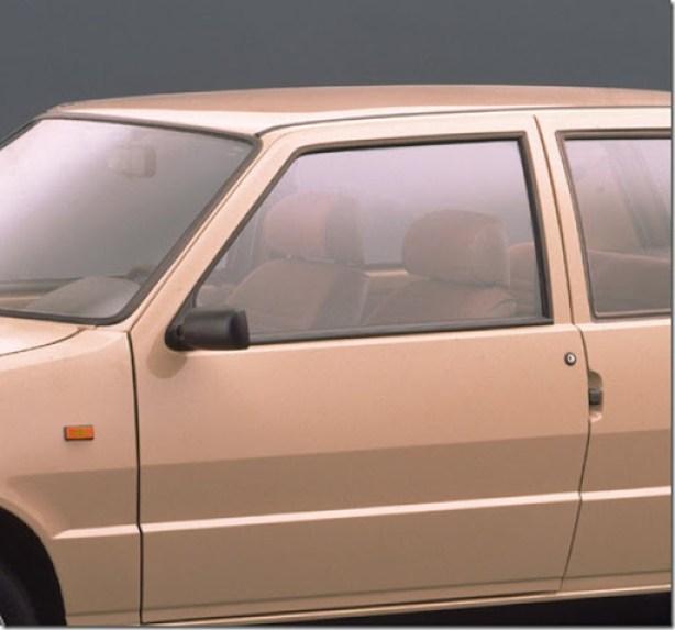 Fiat-Uno_1990_1600x1200_wallpaper_0a