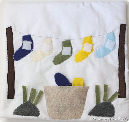 Quiet-book-clothesline-felt-socks_th