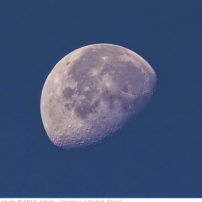 'How to photograph the moon' photo (c) 2010, Johan  J.Ingles-Le Nobel - license: https://creativecommons.org/licenses/by-nd/2.0/
