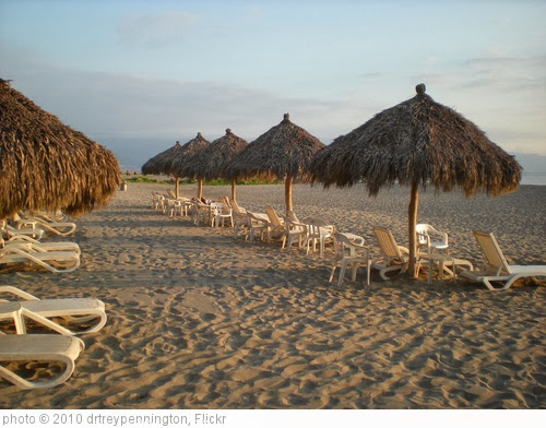 'Mexican beach' photo (c) 2010, drtreypennington - license: http://creativecommons.org/licenses/by/2.0/