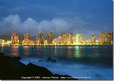 positive-inside-oahu-honolulu-skyline-daemmerung-800