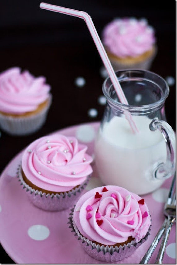 Beautiful & Delicious Cupcakes in No Time! {Let the Baking Begin!}