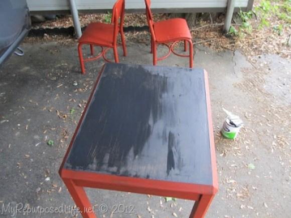 kids-chalkboard-table