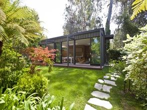 Fachada-moderna-residencia-Santa-Monica