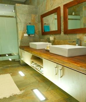 baño-moderno-diseño-de-lavabo