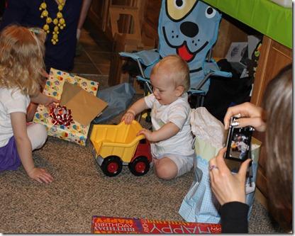 Hayden's first birthday 124