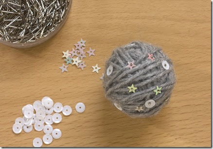 Christmas Yarn Ball Garland DIY Tutorial