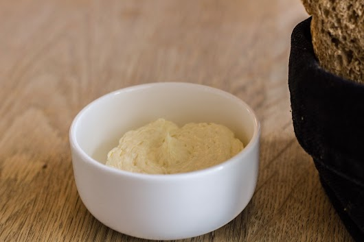 Smør med peberrod - Frokost hos Lammefjordens Spisehus på Dragsholm Slot - Mikkel Bækgaards Madblog