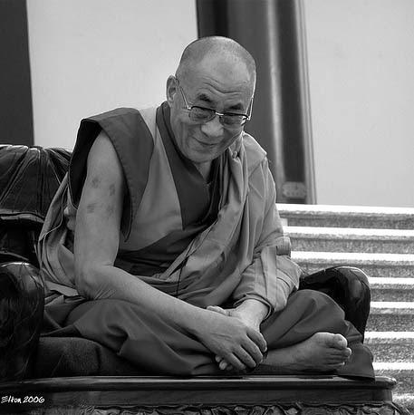 Dalai Lama / Elton Melo )
