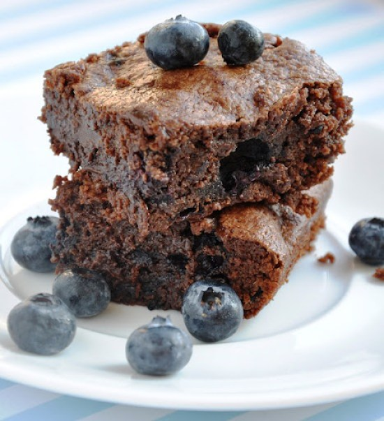 blueberry brownies 046