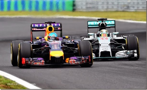 BUDAPEST, HUNGARY - JULY 27:  Sebastian Vettel of Germany and Infiniti Red Bull Racing leads Lewis Hamilton of Great Britain and Mercedes GP during the Hungarian Formula One Grand Prix at Hungaroring on July 27, 2014 in Budapest, Hungary.  (Photo by Lars Baron/Getty Images) *** Local Caption *** Sebastian Vettel;Lewis Hamilton