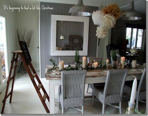 leahs xmas  table setting 2011