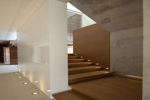 Iluminacion de escaleras modernas