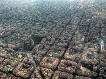 Arquitectura-de-la ciudad-de-Barcelona-desde-el-aire