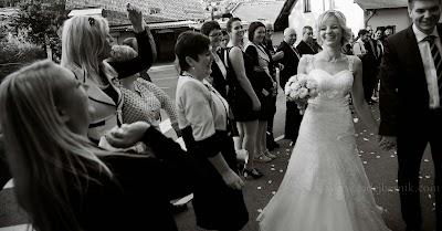 porocni-fotograf-wedding-photographer-poroka-fotografiranje-poroke- slikanje-cena-bled-slovenia-ljubljana-bled-hochzeitsfotografho (131).jpg