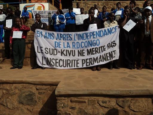– Une attitude de la société civile du Sud-Kivu, lors d'un sit-in à la place de l'Indépendance, dans la commune d'Ibanda, à Bukavu, jeudi 30 juin 2011, en signe de protestation des festivités de l'indépendance./Photo Radio Okapi-Bukavu